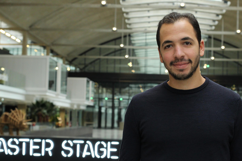Saad Berrada integrou o trabalho remoto na estrutura da FairJungle, em Paris, e não pretende ter escritórios imensos nem quando a empresa se desenvolver.