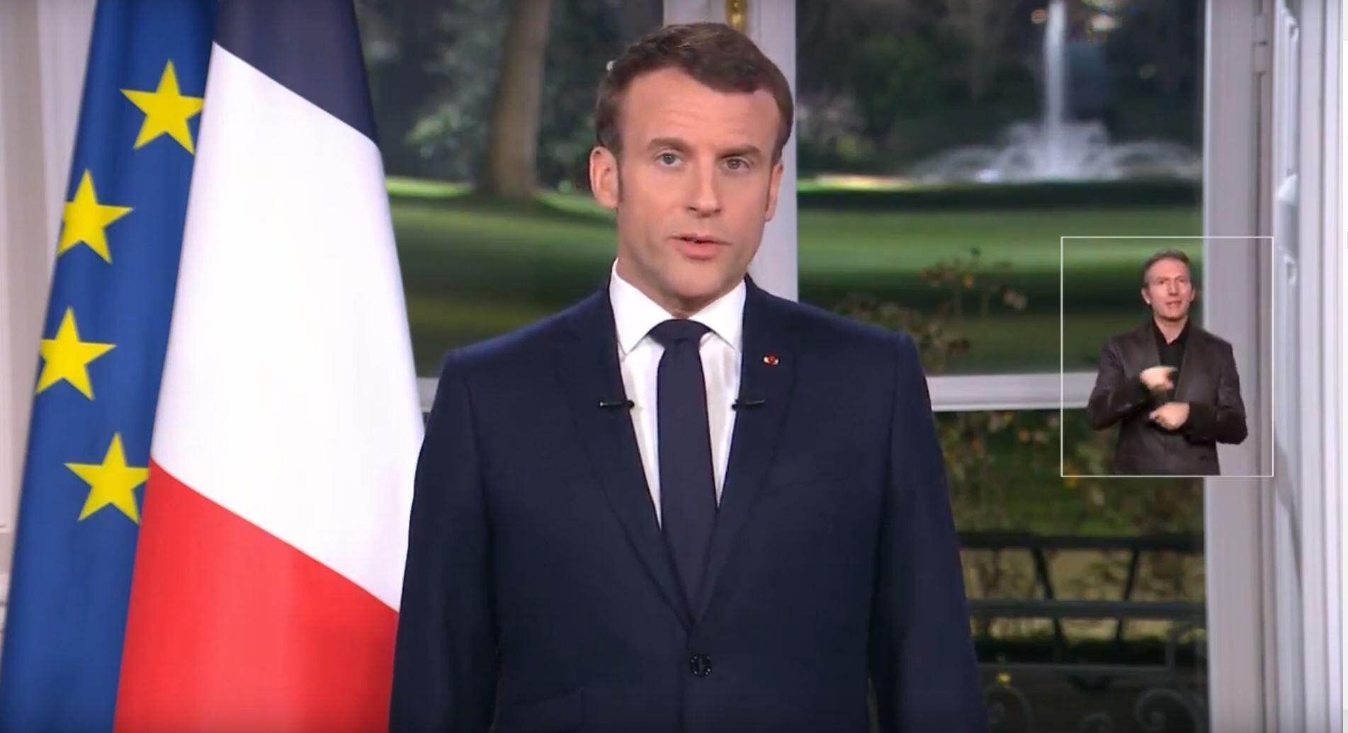 O Presidente francês,Emmanuel Macron, durante a apresentação dos  votos  de Ano Novo aos seus concidadãos. 31 de Dezembro de 2019