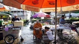 L'économie thaïlandaise va souffrir des conséquences des inondations.