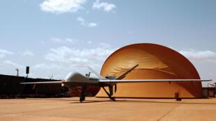 Un drone français sur la base nigérienne 101, le 18 juillet 2014.