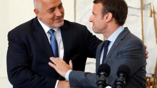 Президент Франции Эмманюэль Макрон (справа) и премьер-министр Болгарии Бойко Борисов на пресс-конференции в Елисейском дворце, 6 июня 2017.
