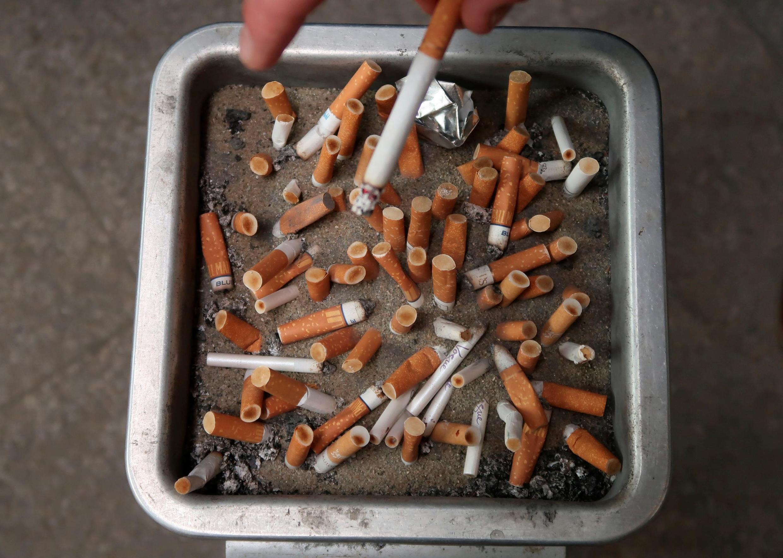 O cigarro é responsável por uma a cada oito mortes em França.