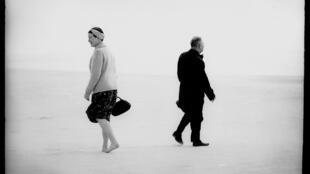 Жан-Поль Сартр и Симона де Бовуар в серии литовского фотографа Антанаса Суткуса.