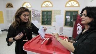 این اولین انتخابات ریاست جمهوری در تونس پس از اعتراضات سال ٢٠١١ است