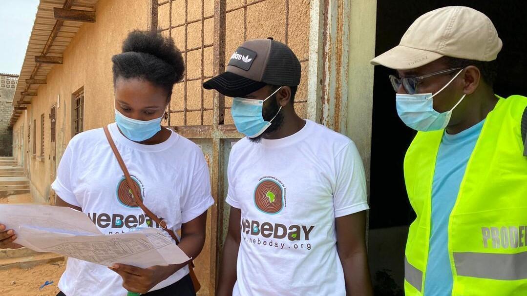 Mariama Diallo et membres Association Nebeday sur le terrain credit photo Abdou Toure ok