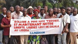 Manifestation de paysans dans une plantation de la Socapalm au Cameroun (photo non datée)