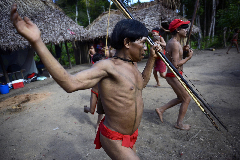 Un Yanomami durante una danza ritual.