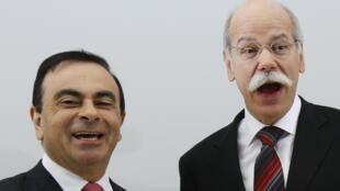 "Президенты компаний ""Daimler"" Дитер Цетше (справа) и ""Рено"" Карлос Гон."