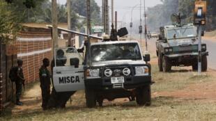 Патруль MISCA на улицах Банги