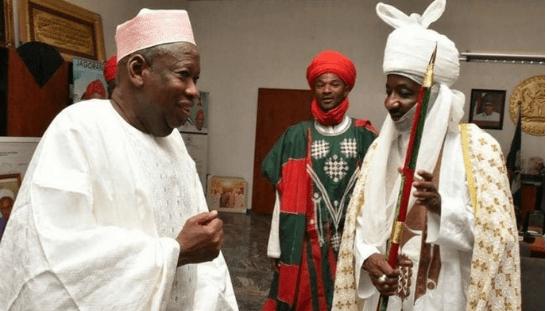 Gwamnan Kano Abdullahi Ganduje tare da sarkin Kano Muhammadu Sanusi na biyu