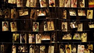 卢旺达首都基加利种族灭绝纪念中心悬挂的一些死者的照片。