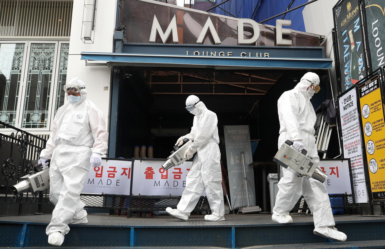 韩国对首尔梨泰院夜店地区进行消毒