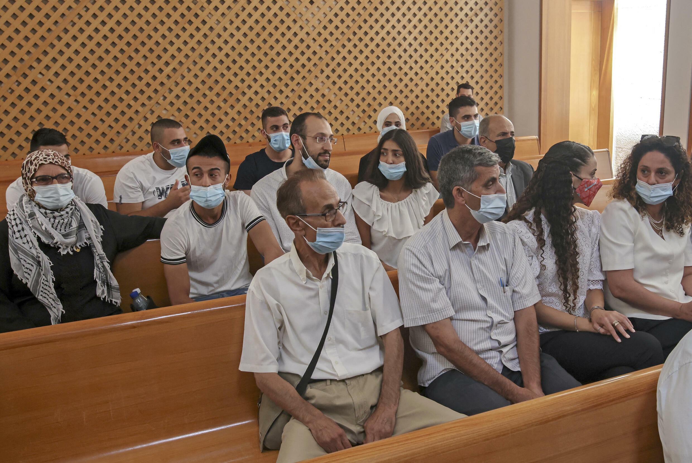 Les familles de Sheikh Jarrah lors de l'audience qui se tenait à la Cour suprême de Jérusalem le 2 août 2021.