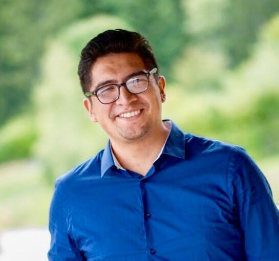 Orlando Chuquimia, doctor en ingeniería electrónica, forma parte del equipo que está desarrollando esta cápsula endoscópica.