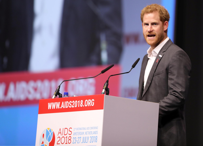 Príncipe Harry participa da 22ª Conferência Internacional sobre a AIDS