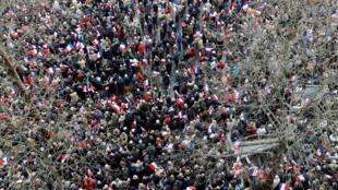 Manifestação de apoio ao ainda candidato da direita às presidenciais francesas, François Fillon, em paris, 5 de março de 2017.