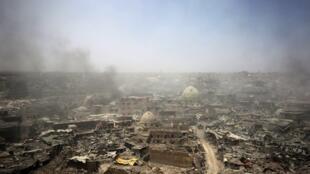 Cidade de Mossul, no Iraque, em Julho de 2017, após nove meses de ofensiva para a retirar das mãos do autoproclamado grupo Estado Islâmico.