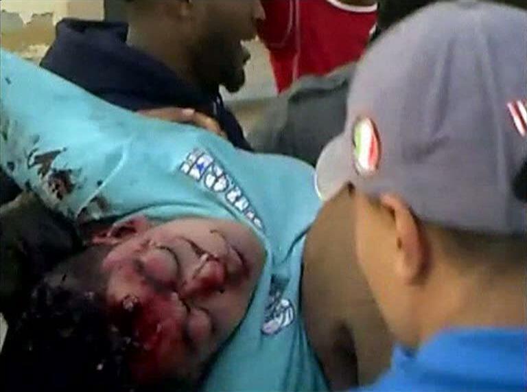 Imagen captada de un video que muestra la violenta represión de las fuerzas de seguridad libias en la ciudad de Benghazi.
