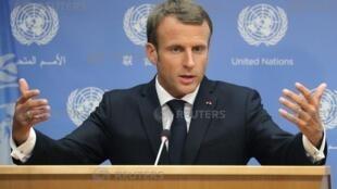 លោក  Emmanuel Macron នៅក្នុងសន្និសីទសាព័ត៌មានមួយនៅឱកាសសម័យប្រជុំលើកទី៧៣របស់ អ.ស.ប. នៅទីស្នាក់ការនៅទីក្រុង New York អាមេរិកថ្ងៃទី២៥កញ្ញា២០១៨
