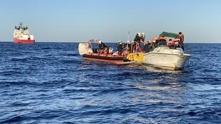 EZ2 approche le bateau ocean viking