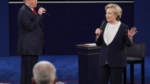 Cuộc tranh luận giữa hai ứng viên tổng thống Mỹ, Donald Trump và Hillary Clinton tối 09/10/2016.