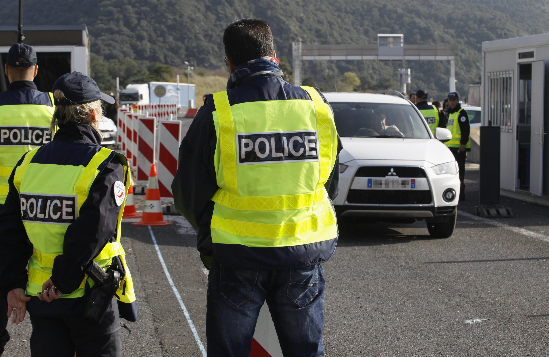 Cảnh kiểm soát ở  một chốt biên giới Pháp Tây Ban Nha. Ảnh tháng 11/2015.