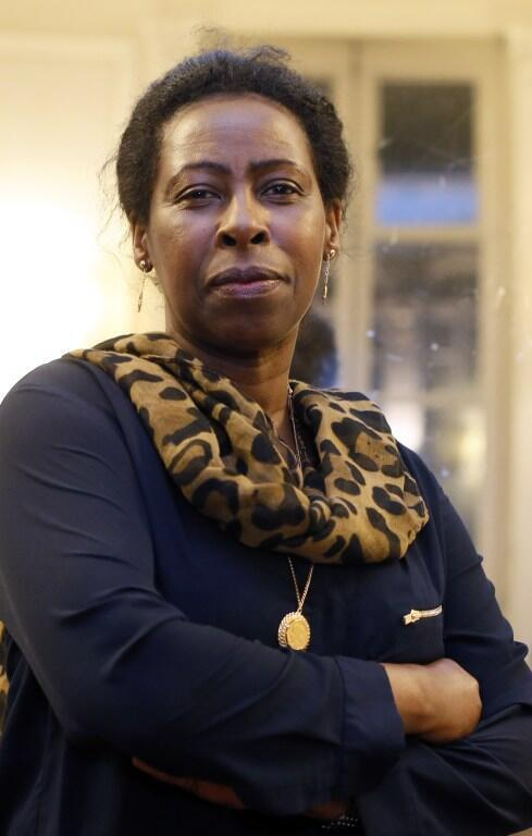 L'écrivaine rwandaise Scholastique Mukasonga après l'annonce du prix Renaudot pour son roman « Notre-Dame du Nil », le 7 novembre 2012.