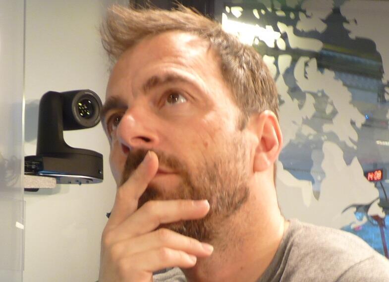 Kevin Johansen en los estudios de RFI