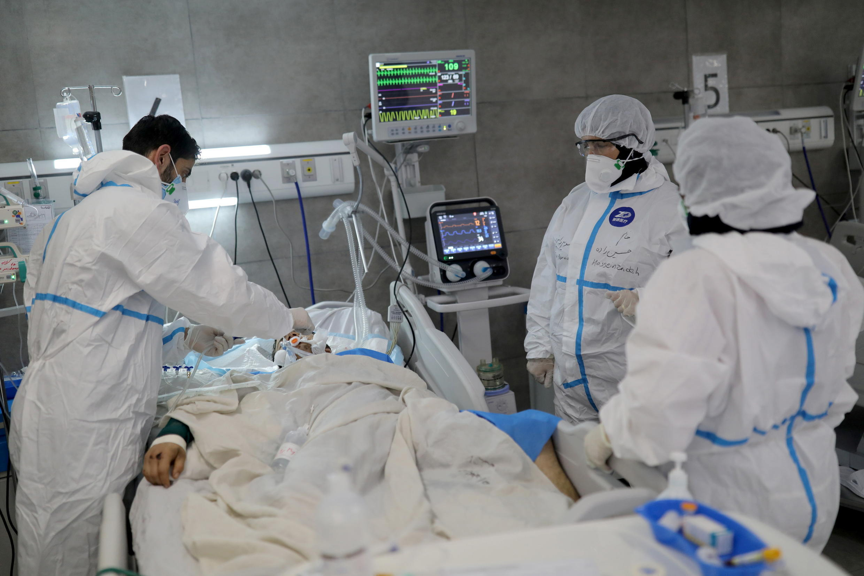 آمار روزانه ابتلا به کرونا در ایران برای دومین روز پیاپی رکورد زد و بنابر اعلام وزارت بهداشت، طی ۲۴ ساعت گذشته در کشور ۳۵۷ بیمار کرونا جان خود را از دست دادند و ۳۴هزار و ۹۵۱ بیمار دیگر نیز شناسایی شدند.