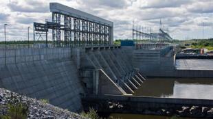 Vue de barrage hydroéléctrique.