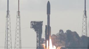El cohete Atlas V que lleva el robot Perseverance a bordo despega rumbo a Marte desde Cabo Cañaveral en Florida el 30 de julio de 2020