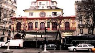 Парижский концертный зал Bataclan, где в результате терактов 13 ноября были убиты 90 человек