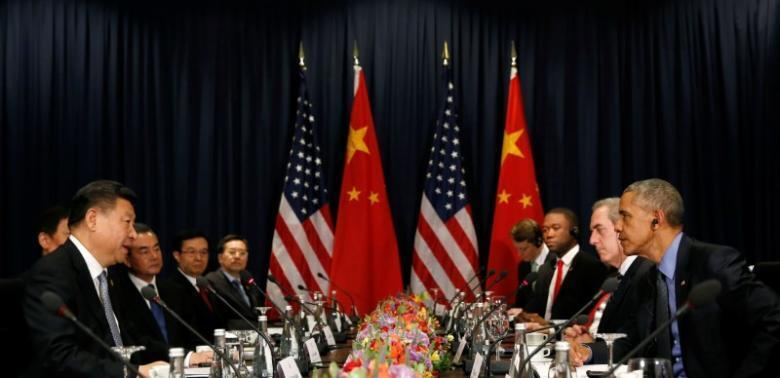 Chủ tịch Trung Quốc Tập Cận Bình và tổng thống Mỹ Barack Obama tại diễn dàn APEC 2016, Lima, Peru.