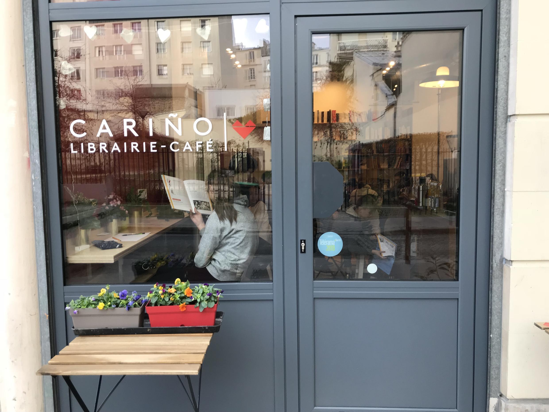"""La librería-café """"Cariño"""" de Melisa Chali-Guerrien, en París, antes del confinamiento."""