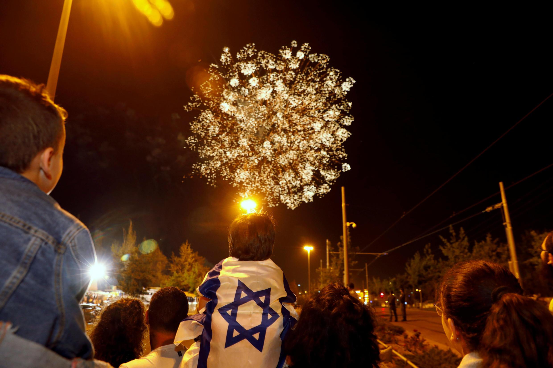 Israel : Pháo bông tại Jerusalem, mừng 70 năm lập quốc, tối 18/04/2018.