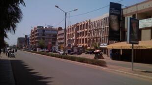 L'avenue Kwame Nkrumah, dans le centre de Ouagadougou (image d'illustration).