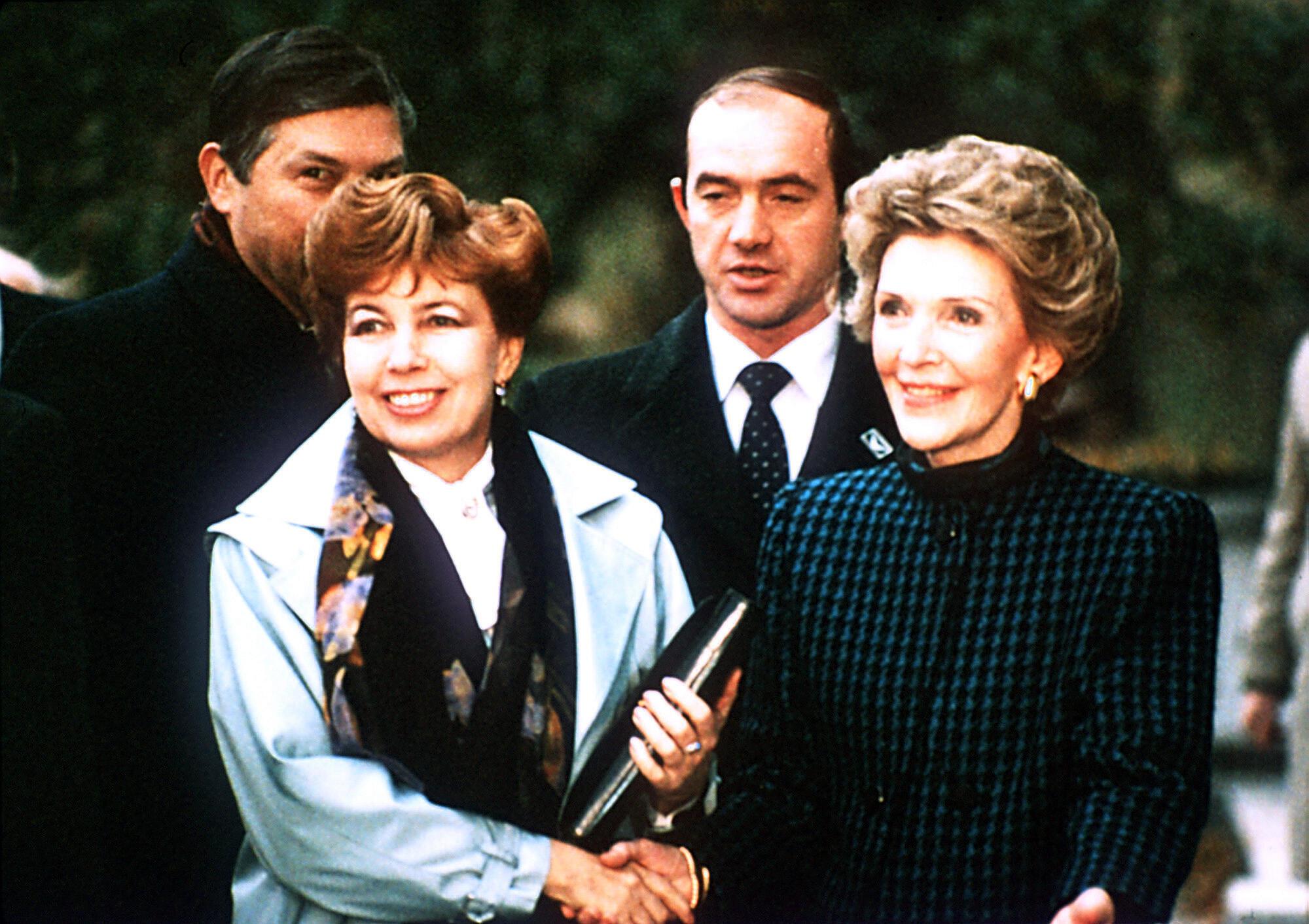 Раиса Максимовна Горбачева и Нэнси Рейган в Женеве (1985)