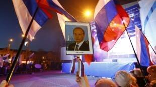Празднование присоединения Крыма к России в Симферополе 21/03/2014