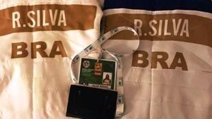 A Confederação Brasileira de Judô publicou a foto dos quimonos de Rafaela Silva e Eric Takabatake com os resultados do Brasil em Paris neste sábado, 11 de fevereiro de 2017