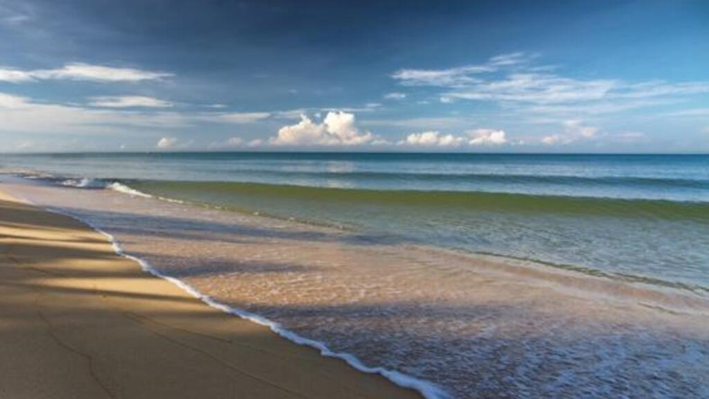 Việt Nam mở lại đảo Phú Quốc từ cuối tháng 11 cho khách quốc tế đã được chích ngừa