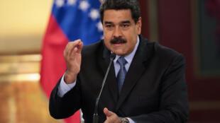 Presidente da Venezuela, Nicolas Maduro, anuncia grande mudança com novas notas do bolivar etapa primeira dum plano de relançamento