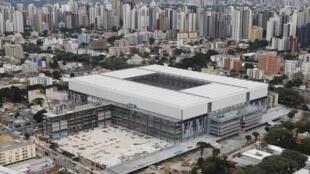 Vista da Arena da Baixada, em Curitiba, no dia 30 de abril de 2014. As obras para a Copa inda não estão concluídas.
