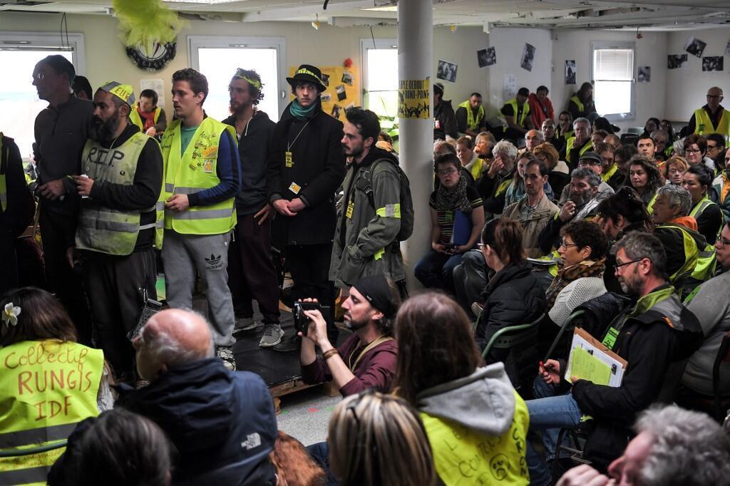 Les «gilets jaunes» en débat lors de leur «Assemblée des assemblées», ce samedi 5 avril.