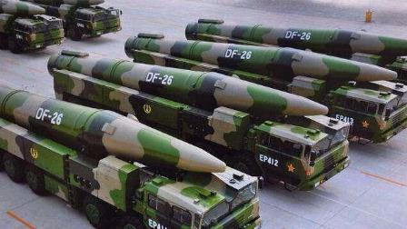 图为中国疑似东风26 新型战略导弹阅兵图