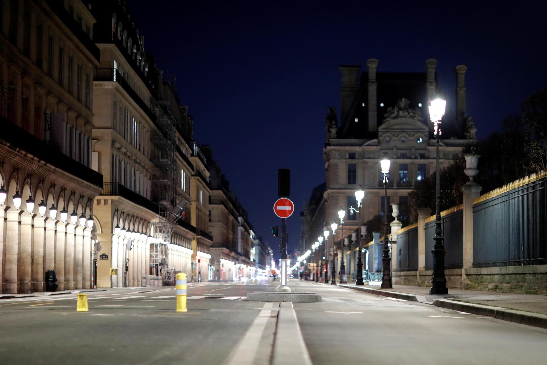 FRANCE - PARIS -  COUVRE FEU  2021-01-25T225149Z_621149179_RC2AFL99IU9U_RTRMADP_3_HEALTH-CORONAVIRUS-FRANCE-CURFEW