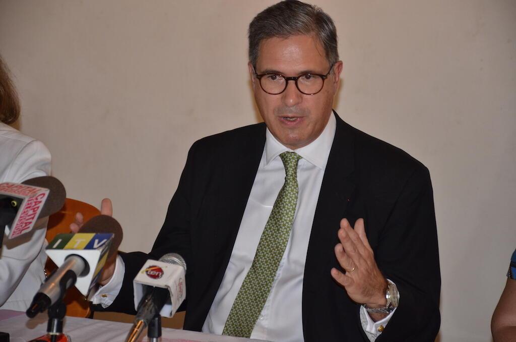 Balozi wa Ufaransa nchini Tanzania, Frédéric Clavier akizungumza akiwa Dar es Salaam, 4 Machi 2018.