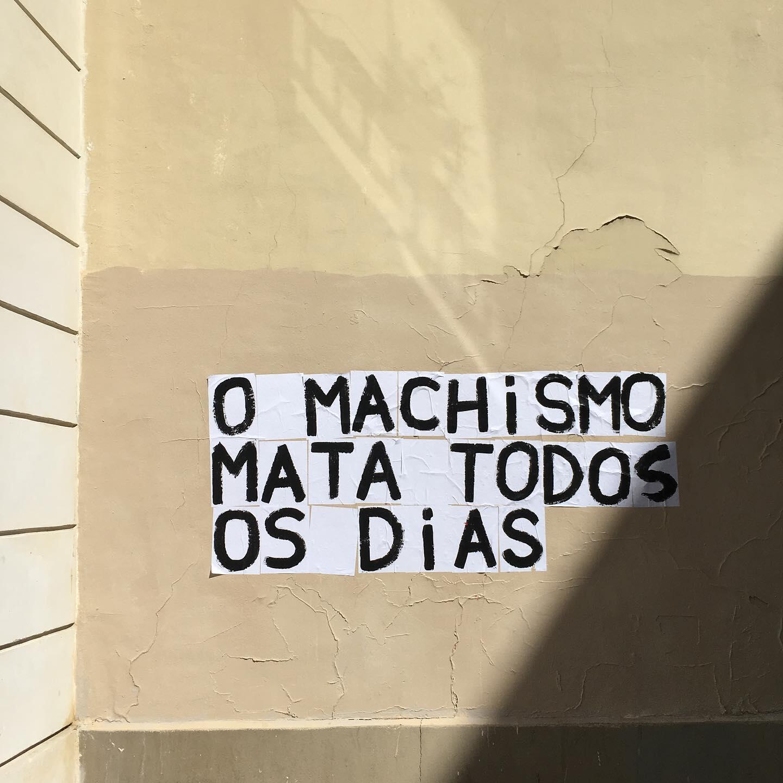 Les Colleuses: frase em português colada em um muro na região da Bastilha. Paris, 22 de setembro de 2019.