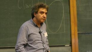 عباس عدالت، استاد امپریال کالج لندن - تصویر آرشیوی