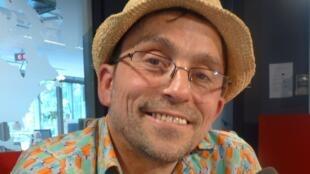 José Cúneo en los estudios de RFI