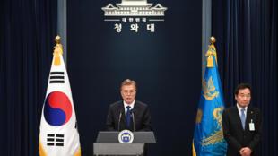 O presidente eleito da Coreia do Sul, Moon Jae-in, durante uma coletiva de imprensa